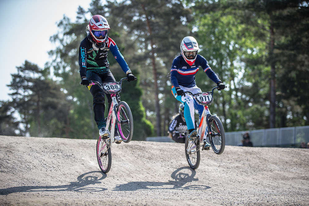 #308 (PETCH Rebecca) NZL and #971 (VALENTINO Manon) FRA during practice at Round 5 of the 2018 UCI BMX Superscross World Cup in Zolder, Belgium