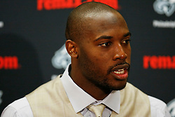Philadelphia Eagles Linebacker Will Witherspoon speaks during the post game press conference after the NFL game between the Philadelphia Eagles and the Washington Redskins on October 27th 2009. This game represented Witherspoon's first after being traded to the Eagles. The Eagles won 27-17 at FedEx Field in Landover, Maryland. (Photo By Brian Garfinkel)