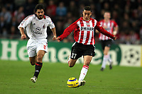 Fotball , 1 november 2005 , Champions League , PSV Eidhoven - Milan <br /> an ismail aissati voor psv. naast hem gennaro gattuso voor ac milaan<br /> Norway only