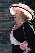 Zijne Hoogheid Prins Floris van Oranje Nassau, van Vollenhoven en mevrouw mr. A.L.A.M. Söhngen zijn donderdag 20 oktober in het stadhuis van Naarden in het burgelijk huwelijk getreden. De prins is de jongste zoon van Prinses Magriet en Pieter van Vollenhoven.<br /> <br /> 20OCT, 2005 - Civil Wedding Prince Floris and Aimée Söhngen. <br /> <br /> Civil Wedding Prince Floris and Aimée Söhngen in Naarden. The Prince is the youngest son of Princess Margriet, Queen Beatrix's sister, and Pieter van Vollenhoven. <br /> <br /> Op de foto / On the photo;<br /> <br /> Hare Majesteit de Koningin Beatrix / Queen Beatrix