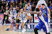 DESCRIZIONE : Campionato 2014/15 Serie A Beko Dinamo Banco di Sardegna Sassari - Acqua Vitasnella Cantu'<br /> GIOCATORE : David Logan<br /> CATEGORIA : Palleggio Contropiede<br /> SQUADRA : Dinamo Banco di Sardegna Sassari<br /> EVENTO : LegaBasket Serie A Beko 2014/2015<br /> GARA : Dinamo Banco di Sardegna Sassari - Acqua Vitasnella Cantu'<br /> DATA : 28/02/2015<br /> SPORT : Pallacanestro <br /> AUTORE : Agenzia Ciamillo-Castoria/L.Canu<br /> Galleria : LegaBasket Serie A Beko 2014/2015
