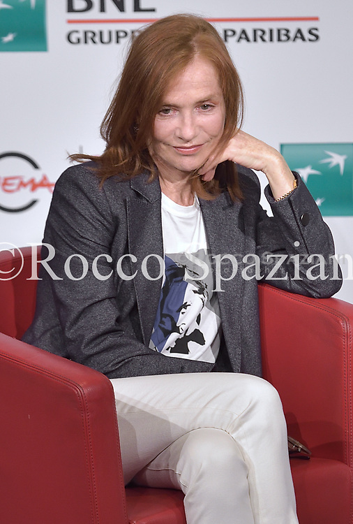 Isabelle Huppert attends a photocall during the 13th Rome Film Fest at Auditorium Parco Della Musica on October 20, 2018 in Rome, Italy.