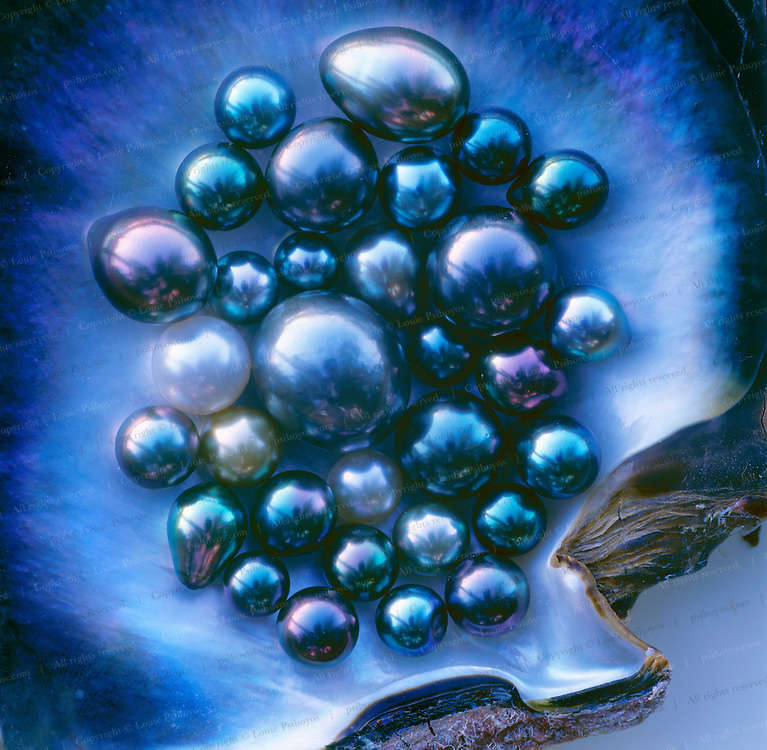 A rare collection of perhaps some of the best Tahitian black pearls in the world, Robert Wan hi-graded this collection from a 25-year harvest of 80% of the pearls that come out of Tahiti.