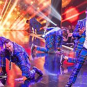 NLD/Amsterdam/20161025 - finale Holland Next Top model 2016, dansers