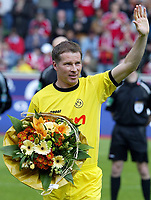 Fotball<br /> Bundesliga 2003/04<br /> Bayer 04 Leverkusen v Borussia Dortmund<br /> 24. april 2004<br /> Foto: Digitalsport<br /> NORWAY ONLY<br /> <br /> Stefan REUTER spiller sin 500. kamp i Bundesliga