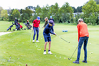 HALFWEG - jeugdgolf  olv pro's Davod Sijnke en Dirk Sandee op de Amsterdamse Golf Club.    COPYRIGHT KOEN SUYK