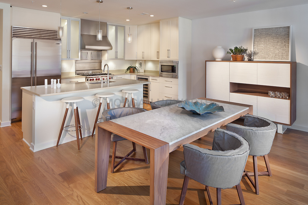 1700_Clarendon Arlington, VA The Gaslight 1700_Clarendon Arlington, VA Kitchen Dining Room