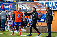 1. divisjon fotball 2018: Aalesund - Mjøndalen. Aalesunds Fredrik Carlsen (t.v.) og assistenttrener Andrea Loberto i førstedivisjonskampen i fotball mellom Aalesund og Mjøndalen på Color Line Stadion.