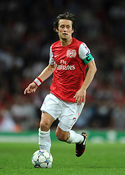 28.09.2011, Emirates Stadium, London, ENG, UEFA CL, Gruppe F, FC Arsenal (ENG) vs Olympiakos Piräus (GRE), im Bild Arsenal's Tomas Rosicky in action against Olympiacos // during the UEFA Champions League game, group F, ENG, UEFA CL, FC Arsenal (ENG) vs Olympiakos Piräus (GRE) at Emirates Stadium in London, United Kingdom on 2011/09/28. EXPA Pictures © 2011, PhotoCredit: EXPA/ Propaganda Photo/ Chris Brunskill +++++ ATTENTION - OUT OF ENGLAND/GBR+++++