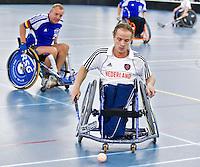 BREDA - Paragames 2011 Breda. Rogier Croes zaterdag tijdens  de interland Nederland-Duitsland  bij het 4-landentoernooi Wheelchair Floorball Hockey, het  Nederlands handvoortbewogen rolstoelhockeyteam.  ANP COPYRIGHT KOEN SUYK