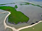 Nederland, Flevoland, Markermeer, 07-05-2021; Trintelzand, nieuw aangelegd natuurgebied gelegen tegen de westelijke zijde van de Houtribdijk. Het gebied ligt tussen tussen de vluchthaven Trintelhaven en Enkhuizen. Moerasgebied voor vogels en vissen, met zandplaten, slikvelden en rietoevers. Het Trintelzand wordt gerealiseerd binnen het project Versterking Houtribdijk, en is onderdeel van het Nationaal Park Nieuw Land<br /> Trintelzand, newly constructed nature reserve next to the Houtribdijk. Marsh area for birds and fish, with sandbanks, mudflats and reed banks.<br /> luchtfoto (toeslag op standard tarieven);<br /> aerial photo (additional fee required)<br /> copyright © 2021 foto/photo Siebe Swart