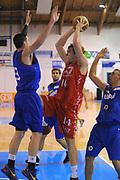DESCRIZIONE : Borgosesia Torneo di Varallo Lega A 2011-12 EA7 Emporio Armani Milano Novipiu Casale Monferrato<br /> GIOCATORE : Nicolo Melli<br /> CATEGORIA : Penetrazione<br /> SQUADRA : EA7 Emporio Armani Milano<br /> EVENTO : Campionato Lega A 2011-2012<br /> GARA : EA7 Emporio Armani Milano Novipiu Casale Monferrato<br /> DATA : 10/09/2011<br /> SPORT : Pallacanestro<br /> AUTORE : Agenzia Ciamillo-Castoria/A.Dealberto<br /> Galleria : Lega Basket A 2011-2012<br /> Fotonotizia : Borgosesia Torneo di Varallo Lega A 2011-12 EA7 Emporio Armani Milano Novipiu Casale Monferrato<br /> Predefinita :