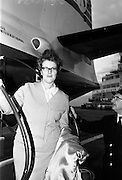 09/05/1965<br /> 05/09/1965<br /> 09 May 1965<br /> Mim Bennett arrives at Dublin Airport on May 9, 1965.