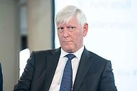 """06 JUN 2018, BERLIN/GERMANY:<br /> Dr. Rolf Martin Schmitz, Vorstandsvorsitzender RWE AG, 27. BBH-Energiekonferenz """"Die Energiewende"""", Franzoesische Friedrichstadtkirche<br /> IMAGE: 20180606-01-137"""