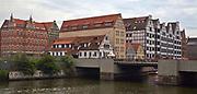 Gdańsk; 2008-06-22. Stare Miasto w Gdańsku. Spichlerze nad Motławą.