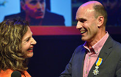 20150626 NED: WK Beachvolleybal openings ceremonie, Den Haag<br /> WK Beach begint met een openings ceremonie in de Haagse schouwburg / Minister Edith Schippers riddert Michel Everaert, Nevobo