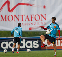 24.05.2012, Haus des Gastes, Schruns, AUT, UEFA EURO 2012, Trainingslager, Spanien, Nachmittagstraining, im Bild  Xabi Alonso (ESP) // Xabi Alonso of Spain during practice session of Spanish National Footballteam for preparation UEFA EURO 2012 at Haus des Gastes, Schruns, Austria on 2012/05/24. EXPA Pictures © 2012, PhotoCredit: EXPA/ Johann Groder