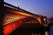 England, London: London Bridge at dusk