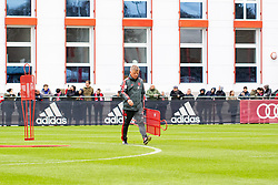 14.03.2019, Säbener Strasse, Muenchen, GER, 1. FBL, FC Bayern Muenchen vs 1. FSV Mainz 05, Training, im Bild CO Trainer Perter Hermann (FC Bayern) // during a trainings session before the German Bundesliga 26th round match between FC Bayern Muenchen and 1. FSV Mainz 05 at the Säbener Strasse in Muenchen, Germany on 2019/03/14. EXPA Pictures © 2019, PhotoCredit: EXPA/ Lukas Huter