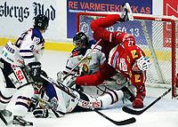 Ishockey , 23. september 2012 ,  Get-ligaen , eliteserien<br /> Tønsberg Vikings - Sparta<br /> <br /> Dan Fredrik Nygård , Tønsberg<br /> Jonatan Bjurö , Sparta<br /> Jonatan Bjuro (målvakt)