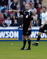 Photo: Leigh Quinnell.<br /> Coventry City v Luton Town. Coca Cola Championship.<br /> 29/10/2005. Referee M. Thorpe.