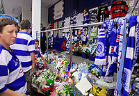 Photo: Leigh Quinnell.<br /> Queens Park Rangers v Southampton. Coca Cola Championship. 01/09/2007.<br /> Fans gather outside Loftus Road to pay tribute to QPR player Ray Jones, after he died in a car crash.