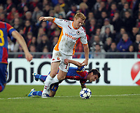 Fotball<br /> UEFA Champions League<br /> 03.11.2010<br /> Basel v Roma<br /> Foto: EQ Images/Digitalsport<br /> NORWAY ONLY<br /> <br /> Romas John Arne Riise wird von Basels Valentin Stocker gefoult und es gibt einen Penalty.