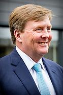 Koning opent uitbreiding babyvoedingsfabriek Nestle