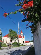 Calles de Avatoru, Rangiroa, Archipiélago Tuamotu, Polinesia Francesa