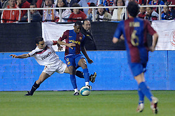 03-03-2007 VOETBAL: SEVILLA FC - BARCELONA: SEVILLA  <br /> Sevilla wint de topper met Barcelona met 2-1 / Eto O<br /> ©2007-WWW.FOTOHOOGENDOORN.NL