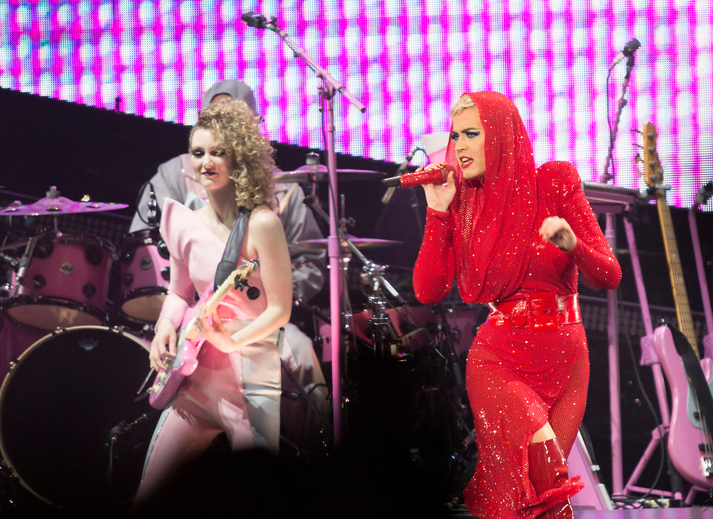 """Katy Perry, right, performs on stage at the """"Witness: The Tour"""" concert at the Staples Center on Tuesday, Nov. 7, 2017, in Los Angeles. (Photo by Willy Sanjuan/Invision/AP)"""
