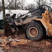 Verplaatsen en planten bomen Gemeenlandslaan Huizen