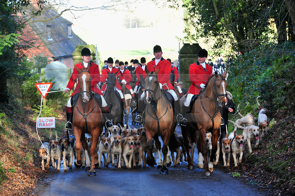 © Licensed to London News Pictures.26/12/2017.<br /> CHIDDINGSTONE, UK.<br />  Hunt Meeting point at Chiddingstone Castle.<br /> Old Surrey Burstow and West Kent boxing day hunt at Chiddingstone Castle<br /> Photo credit: Grant Falvey/LNP