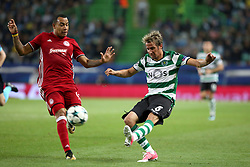 November 22, 2017 - Lisbon, Portugal - Sporting's defender Fabio Coentrao from Portugal (R ) vies with Olympiacos' Colombian midfielder Felipe Pardo during the UEFA Champions League group D football match Sporting CP vs Olympiacos FC at Alvalade stadium in Lisbon, Portugal on November 22, 2017. Photo: Pedro Fiuza  (Credit Image: © Pedro Fiuza/NurPhoto via ZUMA Press)