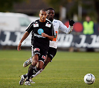 Fotball <br /> Adeccoligaen<br /> Hønefoss Idrettspark<br /> 04.10.08<br /> Hønefoss BK  v  Odd Grenland  1-0<br /> <br /> Foto: Dagfinn Limoseth, Digitalsport<br /> Alex Valencia , Odd Grenland og Umaru Bangura , Hønefoss