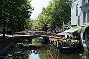 Haagse gracht met brug in het centrum van Den Haag - Canal with bridge in The Hague, Netherlands