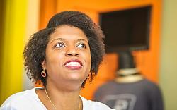 """PORTO ALEGRE, RS, BRASIL, 21-01-2017, 12h55'21"""":  Desiree dos Santos, 32, no Matehackers Hackerspace da Associação Cultural Vila Flores, no bairro Floresta da capital gaúcha. A  Consultora de Desenvolvimento de Software na empresa ThoughtWorks fala sobre as dificuldades enfrentadas por mulheres negras no mercado de trabalho.(Foto: Gustavo Roth / Agência Preview) © 21JAN17 Agência Preview - Banco de Imagens"""