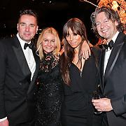 NLD/Amsterdam/20101209 - VIP avond Miljonairfair 2010, Paul Schulten met vrienden