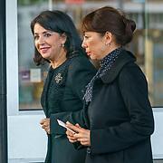 NLD/Amsterdam/20181027 - Herdenkingsdienst Wim Kok, Khadija Arib en een vriendin