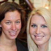 NLD/Amsterdam/20120326 - Inloop Schaatsgala 2012, Janneke Ensing en een vriendin