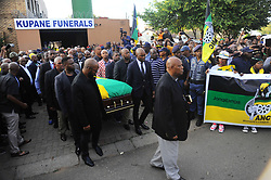 The procession made its way from the Kupane Funeral Parlour back to her house, while people lined the streets in a guard of honour.<br /> Picture:Bhekikhaya Mabaso/ Africa News Agency/ ANA