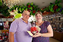 Lauri e Zélia Cavalli, da loja de chocolates Canto Doce Chocolates, em Gramado. FOTO: Jefferson Bernardes/Preview.com
