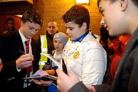 Photo: Jed Wee.<br /> Manchester United Reserves v Bolton Wanderers Reserves.<br /> 15/12/2005.<br /> <br /> Manchester United's Ole Gunnar Solskjaer stops to sign autographs before leaving.