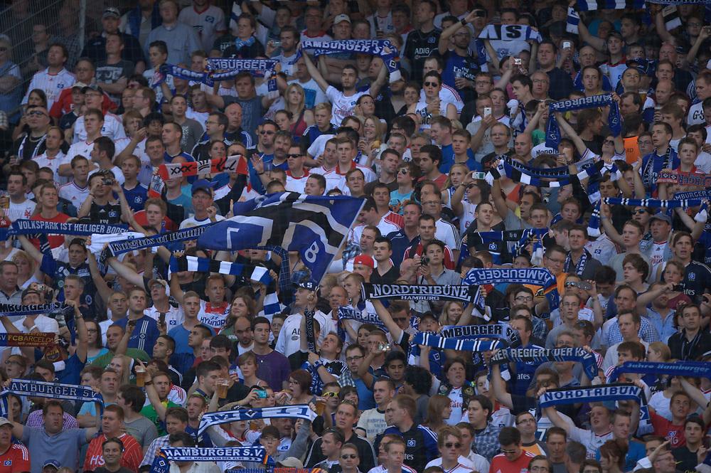 Fussball: International Friendly, 125 years, Hamburger SV - FC Barcelona 1:2, Hamburg, 24.07.2012<br /> Hamburger SV-Fans<br /> © Torsten Helmke