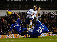 Photo: Ed Godden.<br /> Tottenham Hotspur v Chelsea. The Barclays Premiership. 05/11/2006. Spurs' Aaron Lennon (C), scores to make it 2-1.