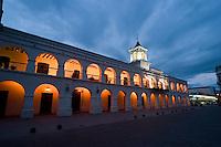 CABILDO (MHN Monumento Histórico Nacional) AL AMANECER, CIUDAD DE SALTA, PROV. DE SALTA, ARGENTINA