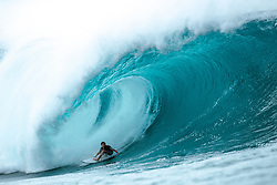 December 16, 2018 - Pupukea, Hawaii, U.S. - Griffan Colapinto of USA placed second in Heat 5 of Round 3 at the Billabong Pipe Masters. (Credit Image: © Ed Sloane/WSL via ZUMA Wire)