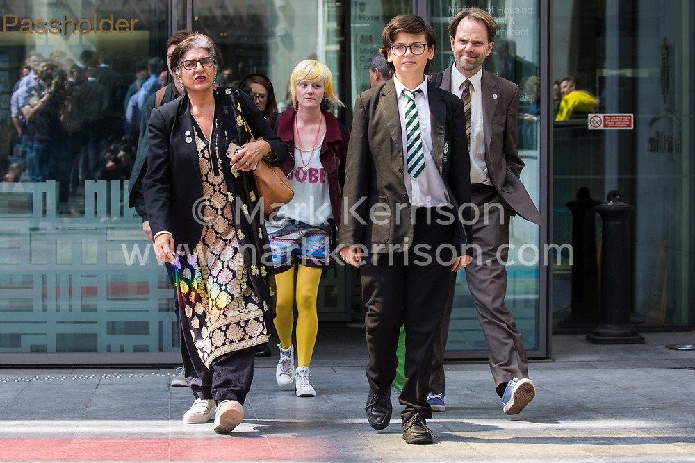 London, UK. 30th April 2019. Climate change activists from Extinction Rebellion (l-r) Farhana Yamin, Sam Knights, Clare Farrell, Felix Ottaway O'Mahony and Rupert Read leave the Home Office after attending a meeting hosted by the Secretary of State Michael Gove. Credit: Mark Kerrison/Alamy Live News