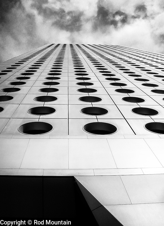 Looking up from the base of the Jardine House (怡和大廈) in Hong Kong. Photo: © Rod Mountain