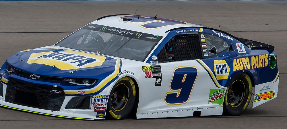 Mar 03, 2018 Las Vegas, NV  U.S.A.  # 09 Chase Elliott coming down the home straight away during the Nascar Pennzoil 400 qualifier at Las Vegas Motor Speedway. Thurman James / CSM